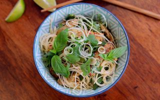 Photo: Thai red beef with vermicelli and lemon grass